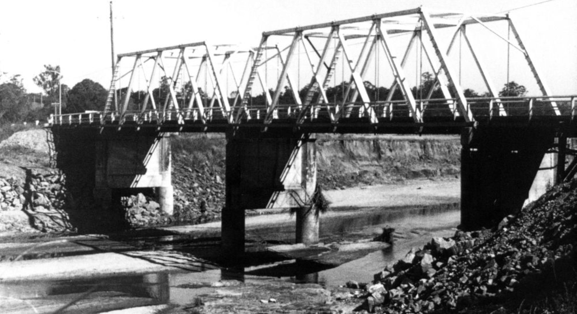 Cashs Crossing Bridge Albany Creek August 1974