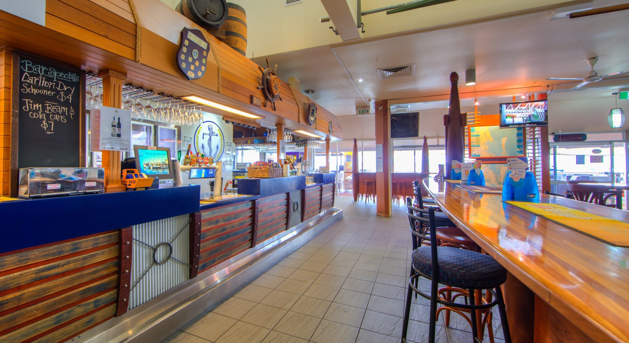 Moreton Bay Boat Club Scarborough Redcliffe Bar Drinks