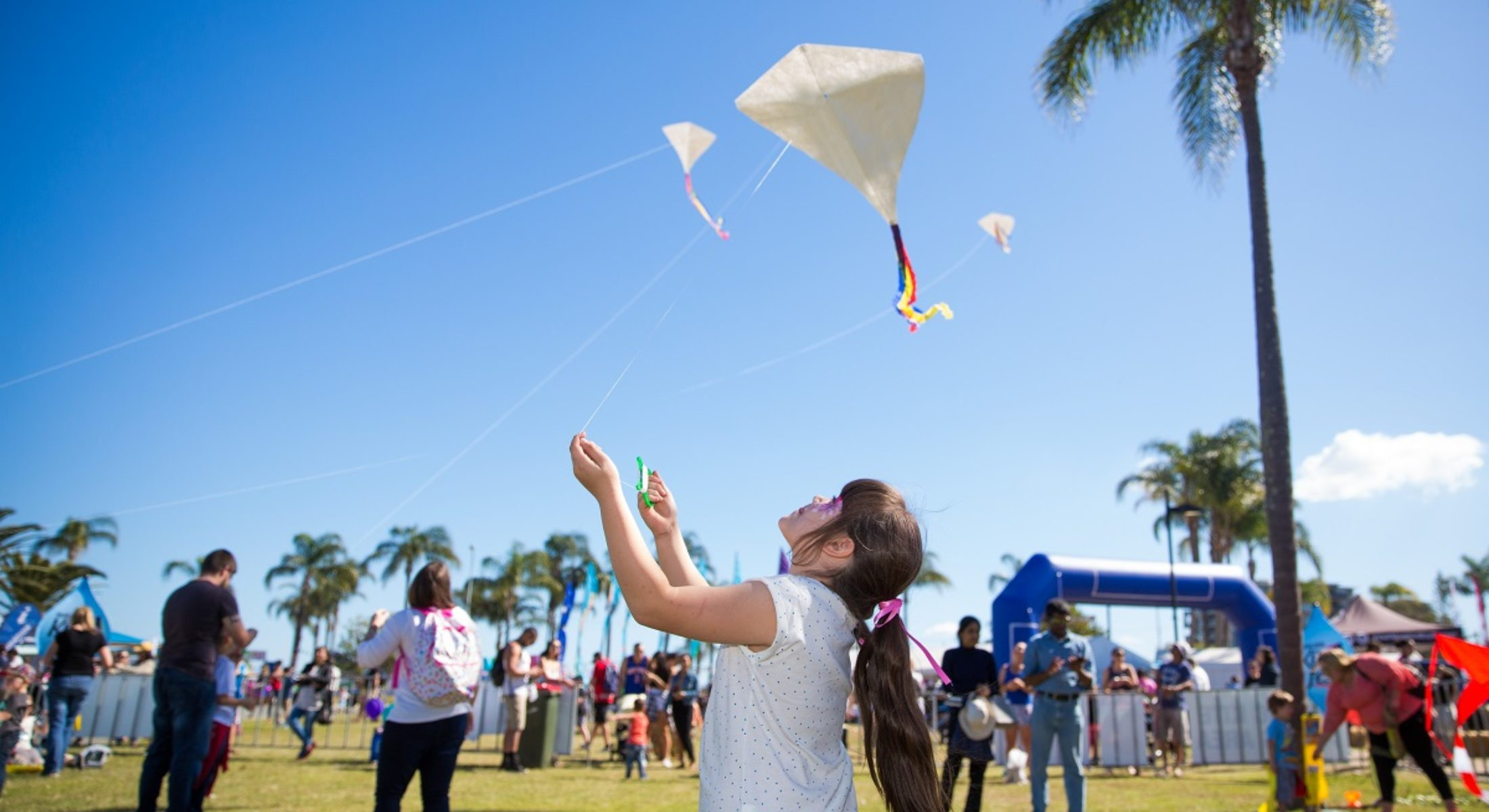Redcliffe Kitefest Make Your Own Kite Flying Area Free Diy Event